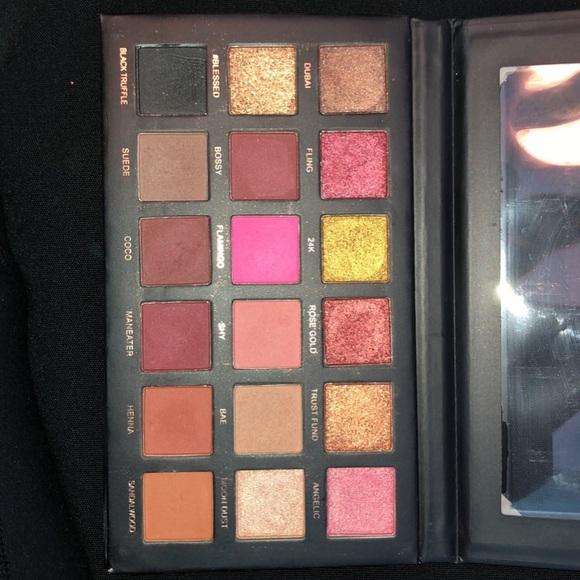 HUDA BEAUTY Other - Huda Beauty eyeshadow palette